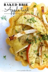 Are you looking for a great starter or veggie lunch idea? Then do try out my baked brie, fresh thyme and apple tart recipe!