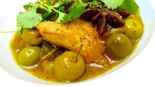 Chicken With Olives, a Moroccan flavored chicken stew with green ...
