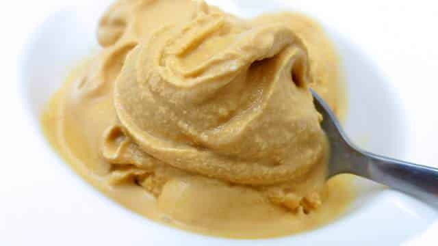 Is this a sweet and salty dessert? Then I am definitely in! This dulce de leche ice cream is so easy to make, believe me.