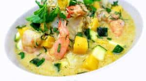Here's a spicy creamy Thai yellow fish curry recipe with fresh prawns, sweet diced mango and crunchy zucchini... Delicious!