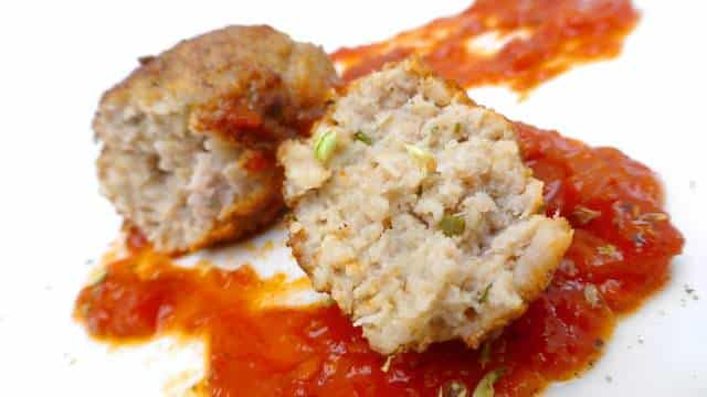 How to make greek meatballs in tomato sauce