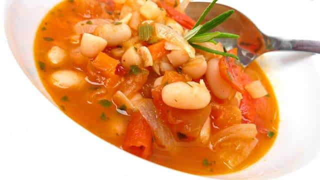 Italian Bean Soup: a quick tomato vegetable soup with white beans to ...