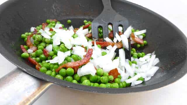Peas And Bacon Salad: sweet peas, salty bacon, crunchy onion and fresh ...