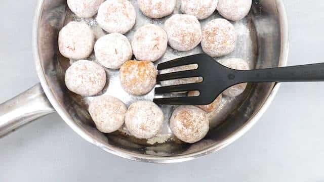 My classic Swedish meatball recipe: a bunch of super smooth meatballs in a creamy silky cream sauce... A traditional IKEA recipe!
