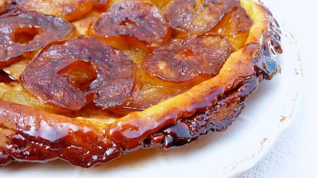 I always thought a classic French tarte tatin recipe would be pretty difficult to prepare but it is really easy! Pick the right apples!