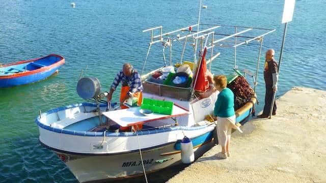 Where to find hut frisk or fresh fish in Marsaskala, Malta!