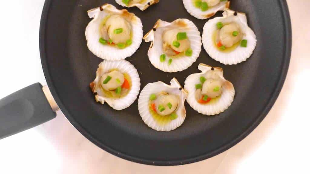 Vietnamese Scallops with Peanuts & Scallions (Sò điệp ...