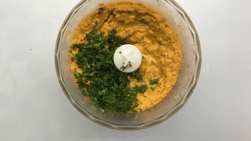 I love the powerful Eastern spices in this carrot hummus! What an exciting alternative for the classic chickpea hummus...