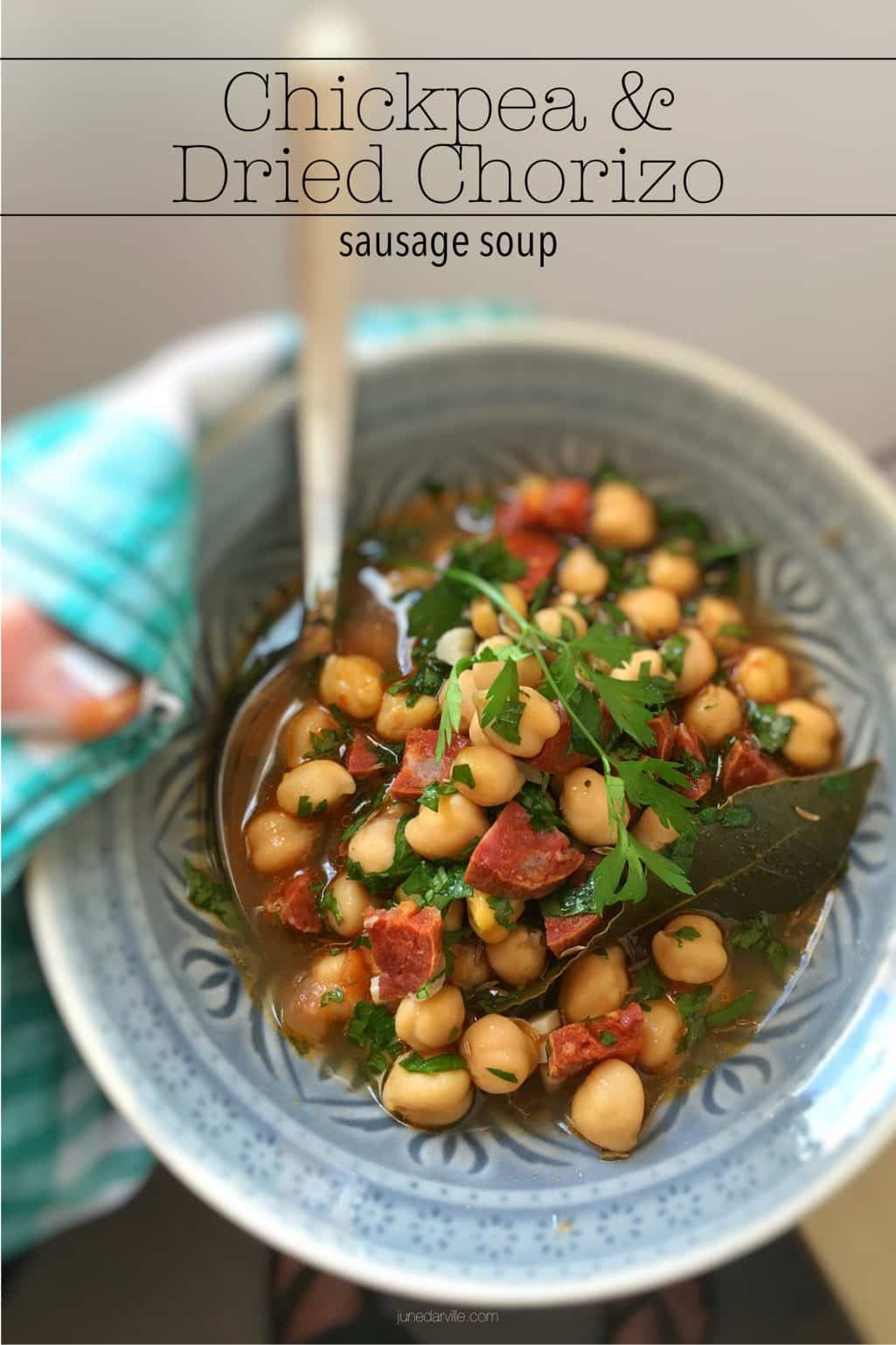Canned chickpeas, dried chorizo sausage, water, garlic, ground cumin and coriander: here's a spicy 30-minute chickpea chorizo soup!