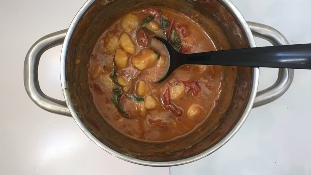 Here's how to make a rich and hearty hot potato and chorizo stew! These Spanish patatas a la riojana are a yummy classic!