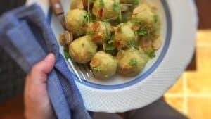 Spanish albóndigas en salsa de almendras or silky meatballs in almond sauce with saffron... A surprising meatball dinner!