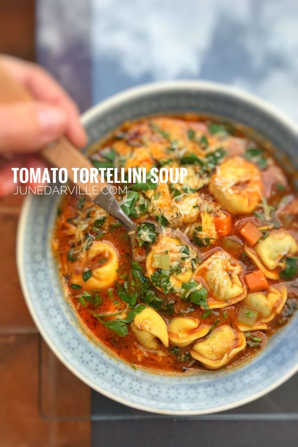 What a lovely meal soup: my tomato tortellini soup recipe with lots of cheese! Great hearty lunch or dinner option for the whole family!