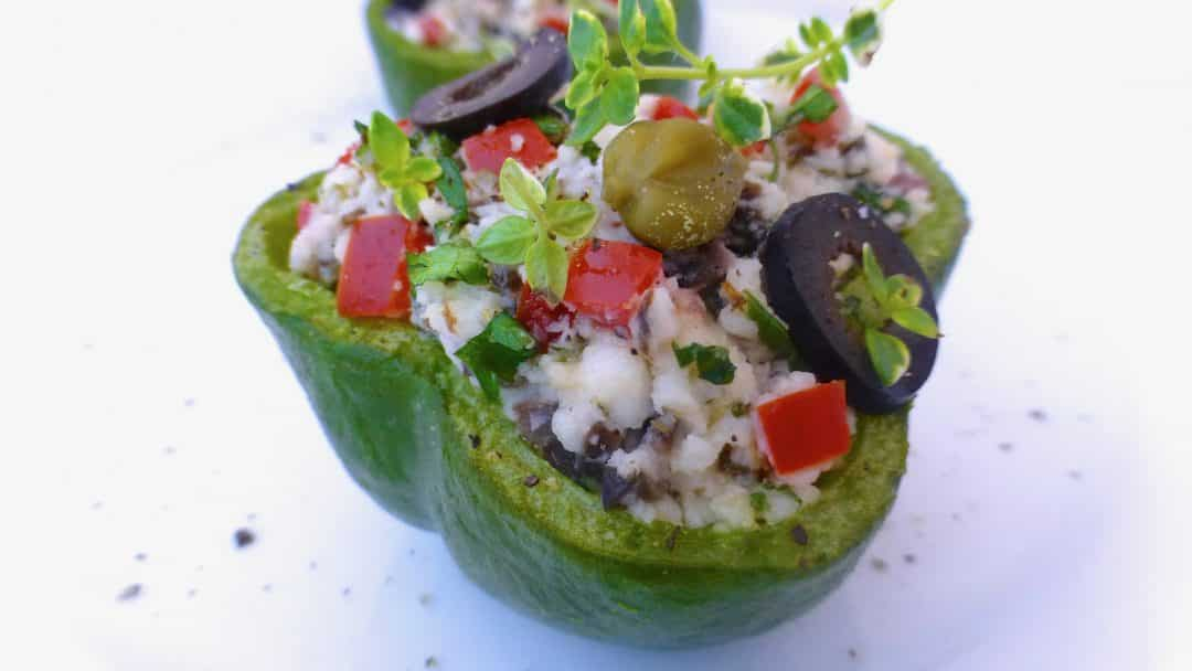 Do you like stuffed peppers? Then check out this next post: 4 stuffed pepper recipe with ground beef, rice, goat cheese and quinoa!
