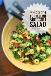 Looking for a gorgeous and filling lunch idea? Then this broccoli salad with tortellini and crunchy bacon is all you need!