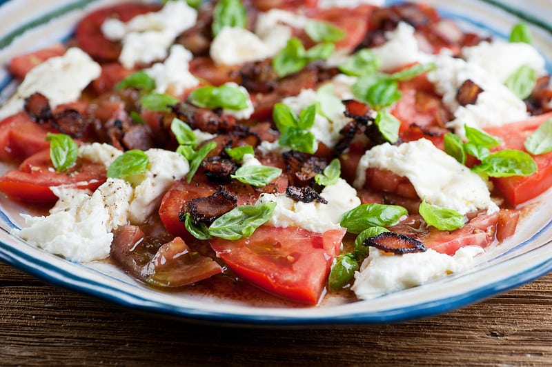 I'm quite sure that I don't need to introduce the caprese salad. This classic must be one of the world's most famous Italian mozzarella salads!