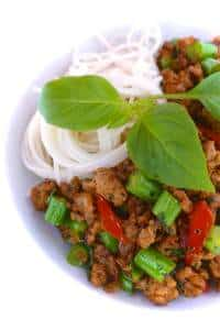 Garlic, pork mince, green beans, fish sauce and chili: a lovely rich Thai basil pork recipe! You will just adore this Thai pork stir fry!