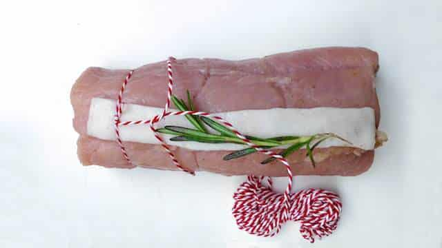 How to tie meat: a step-by-step picture guide to help you tie meat like a real pro from now on! It is much easier than it looks...