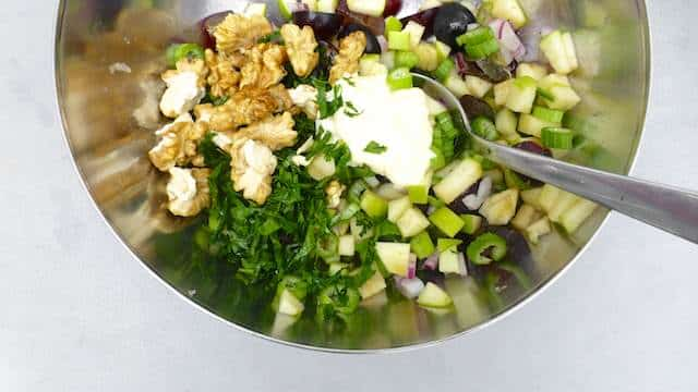 Watch my video of how I'm preparing a classic chicken waldorf salad in my fantastic Cook Processor using the slicer and shredder attachment kit!