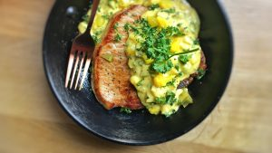 My pork chops crosse and blackwell style: sizzling pork chops in a piccalilli cream sauce... This dinner is ready in 30 minutes!