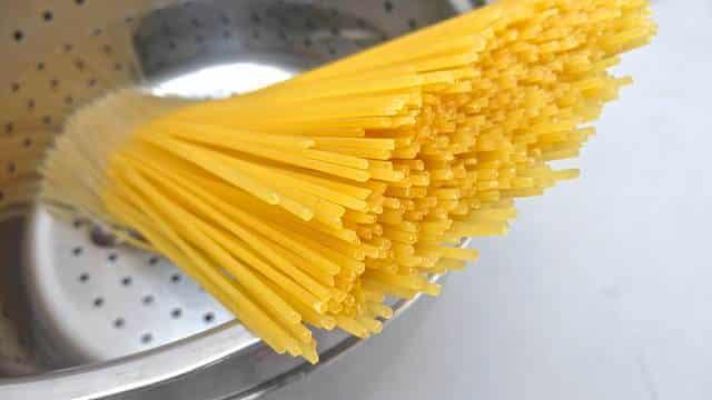 Creamy lemon sabayon spaghetti with egg yolk, my personal pasta al limone recipe! Based on a delicious recipe from Italian chef Maria Landis.