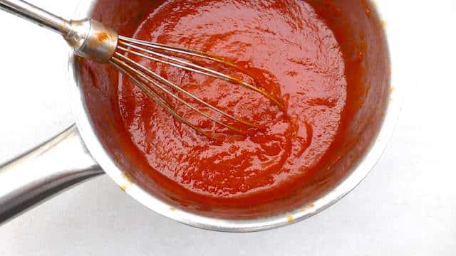 My homemade tomato ketchup recipe or how to make your favorite sauce... from scratch in your own kitchen. Yes, you can make ketchup at home!