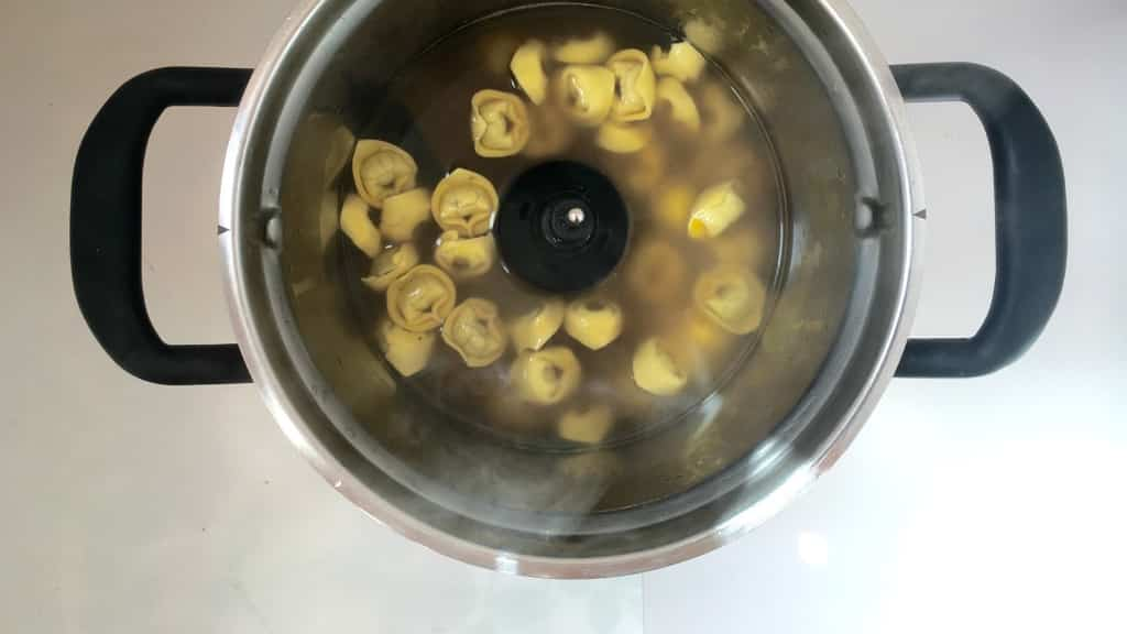 Tortellini in brodo: silky stuffed pasta in a hot broth! What a great Italian pasta soup this is, the perfect light lunch!