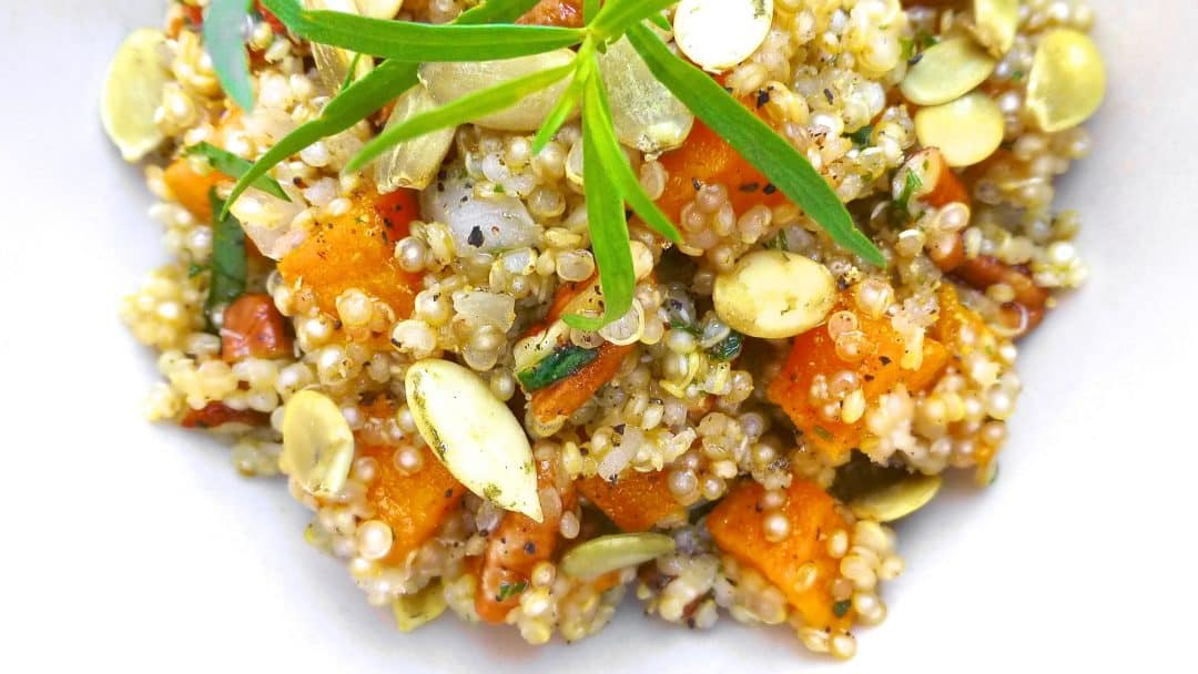 Do you know how to cook quinoa? Here are 10 quinoa recipes for you to try out! Plus some interesting facts about quinoa...